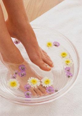 how to kill toenail fungus with tea tree oil